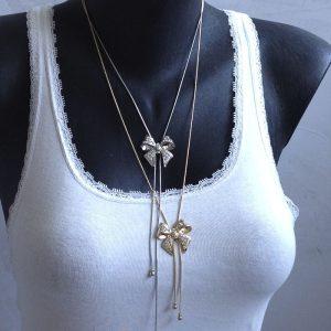chaine et pendentif noeud