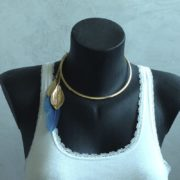 collier cerceau plume