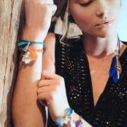 bracelet elastique breloque et cristal