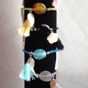 bracelet pierre naturelle pompon et nacre